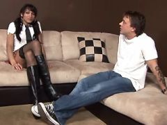 Shemale in stockings and dude suck each other